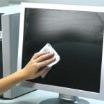 pravilnaya-chistka-ekrana-monitora
